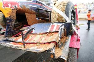 Red Bull de Webber após acidente.